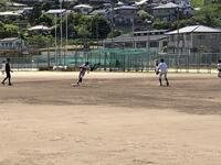 二塁打を打つ田端(川棚高校にて)